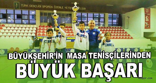 Büyükşehir'in masa tenisçilerinden büyük başarı