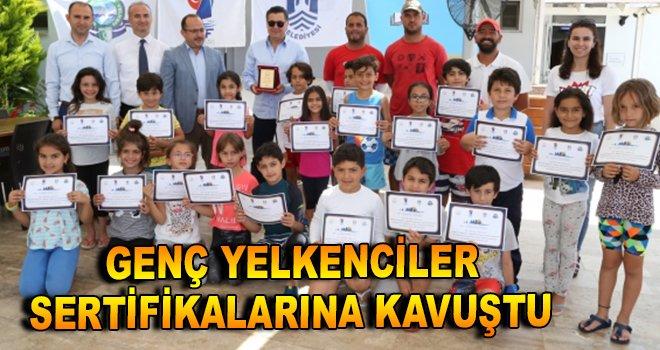 Genç yelkenciler sertifikalarına kavuştu