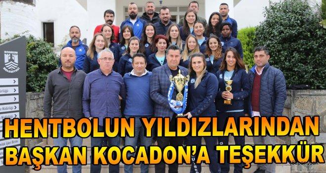 Hentbolun yıldızlarından Başkan Kocadon'a teşekkür