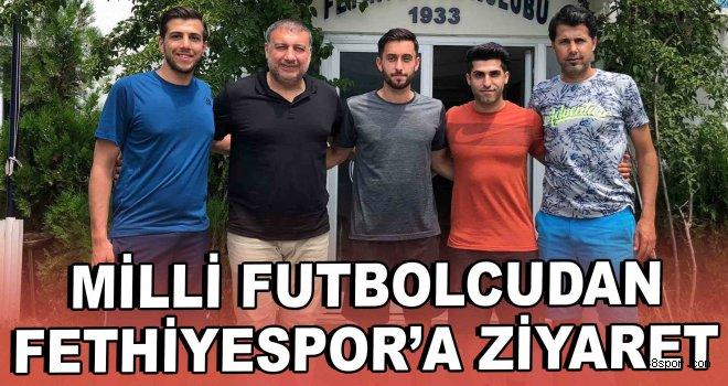 Milli futbolcudan Fethiyespor'a ziyaret