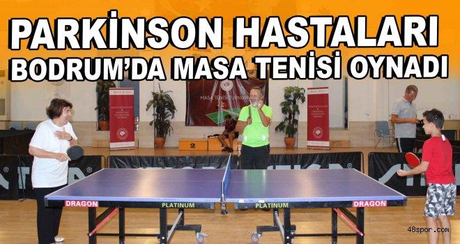 Parkinson hastaları Bodrum'da masa tenisi oynadı